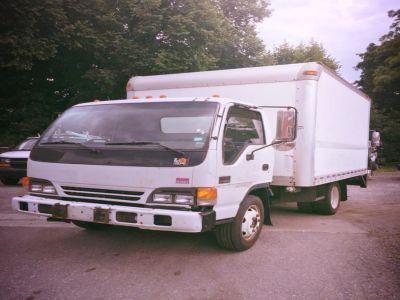 """2005 GMC W4S042 W4500 GAS REG 132.5"""" WB 14500 GVWR (White)"""