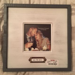 NEW 4X4 Mr & Mrs Picture Frame