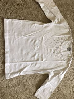 Isaac s designs 100% combedcotton size large white top
