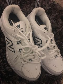 8.5 new balance sneakers