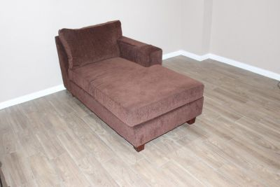 Brown Chaise in excellent condition- Plush Comfort