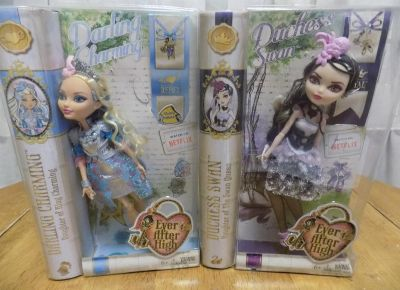 Ever After HIgh Duchess Swan and Darling Charming