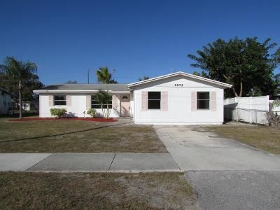 3 Bed 2 Bath Foreclosure Property in Jensen Beach, FL 34957 - NE Savannah Rd