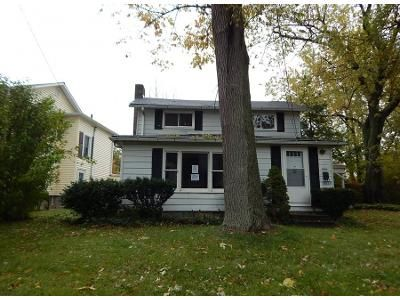 3 Bed 1.0 Bath Preforeclosure Property in Mentor, OH 44060 - Chagrin Dr