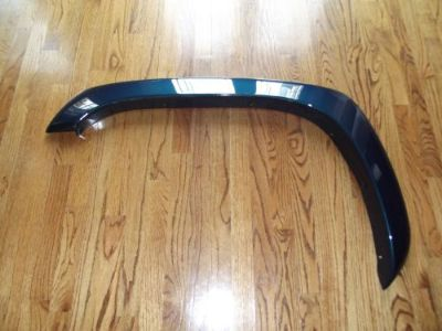 Sell Chevrolet Tahoe GMC Yukon Left Front Driver Side Fender Flare oem motorcycle in Atlanta, Georgia, United States, for US $115.00