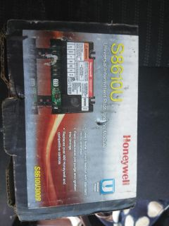 Free delivery today only philly area$70 brand new in box Honeywell universal intermittent pilot ignition module