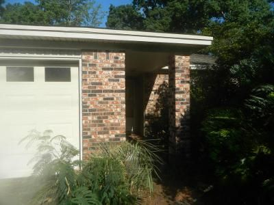 3 Bed 2 Bath Foreclosure Property in Niceville, FL 32578 - Palm Blvd S