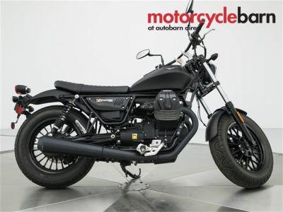 2017 Moto Guzzi V9 BOBBER (Black)