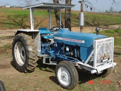 3000 FORD DIESEL TRACTOR