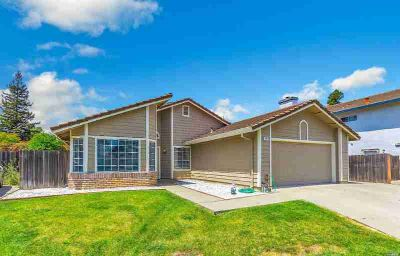 118 Spinnaker Court VACAVILLE Four BR, Well maintained home in a