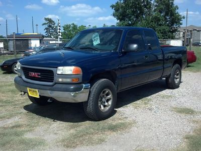 $4,988, 2001 GMC Sierra SL Extended Cab 4dr Truck  Warranty  AutoCheck