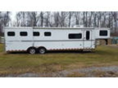 Sundowner Sunlight 727 - 4 Horse Gooseneck Slantload HorseTrailer with ramp