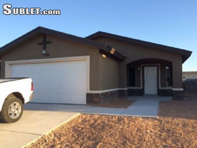 $2400 3 single-family home in NE El Paso