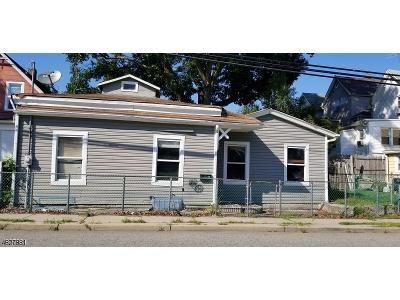2 Bed 1 Bath Foreclosure Property in Clifton, NJ 07014 - William St
