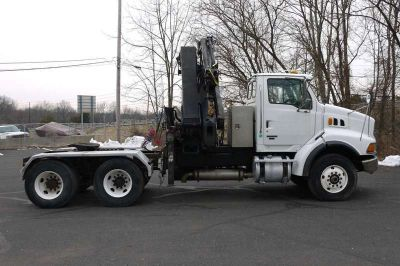 8925 - 2007 Sterling Tractor; Hiab 244e5-Hipro Knuckleboom; 9.5 Ton