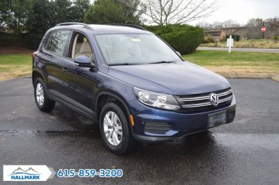 2016 Volkswagen Tiguan S (Night Blue Metallic)