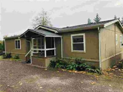 310 Holly Blvd Kalama Two BR, Updated manufactured home on