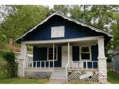 2 Bed 1 Bath Foreclosure Property in Kansas City, MO 64130 - Park Ave