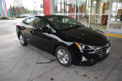 2019 Hyundai Elantra (Phantom Black)