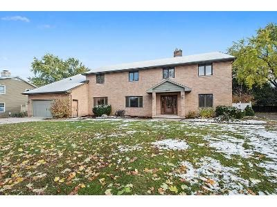 5 Bed 5 Bath Foreclosure Property in Green Bay, WI 54301 - Terraview Ct