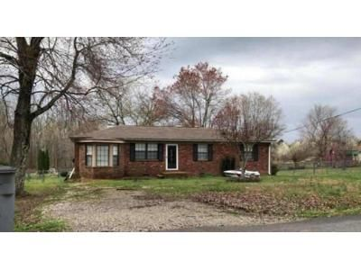 3 Bed 2 Bath Foreclosure Property in Florence, AL 35633 - Meadow Grove Ln
