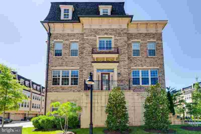 730 Sentry Sq OXON HILL, Open house Sunday 6/23 1-4 This
