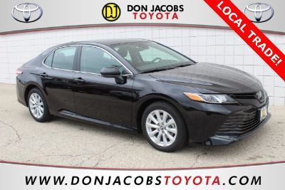 2019 Toyota Camry LE (Black)