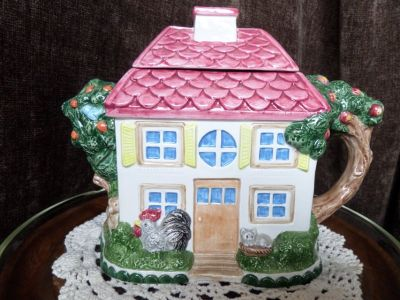 Noritake collectable Teapot tea pot Country Fences rooster, cat ,dog