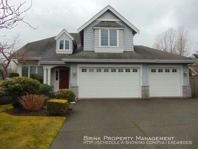 Gorgeous 4+ Bedroom, 2.5 Bath Sammamish Home in Quiet, Well Maintained Community