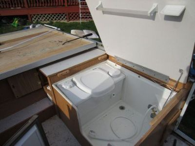 Sell 2003 Flagstaff by forest river pop up camper parts toilet interior shower motorcycle in Brookhaven, Pennsylvania, United States, for US $100.00