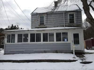 2 Bed 1 Bath Foreclosure Property in Harrisville, RI 02830 - Railroad Ave