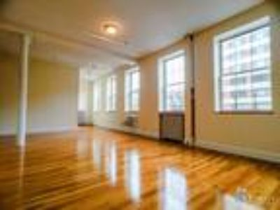 $4800 (No Fee) - Two BR/Loft @ Chelsea **Two BA**Washer/Dryer**Dishwasher**