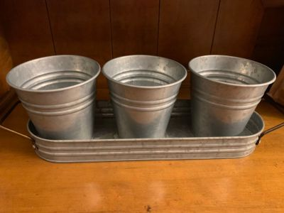 Galvanized caddy - for decor or small plants