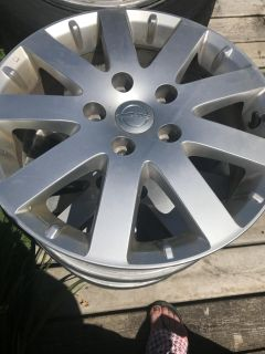 17 inch Chrysler Town and Country rims
