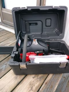 Brand new craftsman chain saw 18 inch cut with case