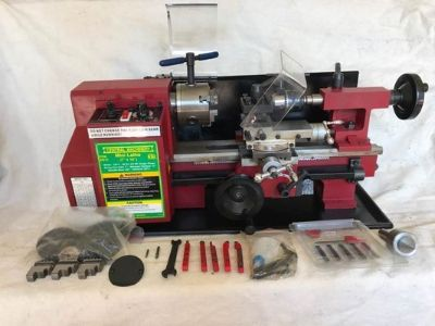 LIKE NEW Metal lathe WITH EXTRAS