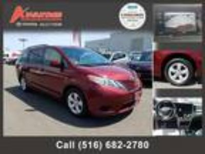 $21398.00 2016 TOYOTA Sienna with 25213 miles!