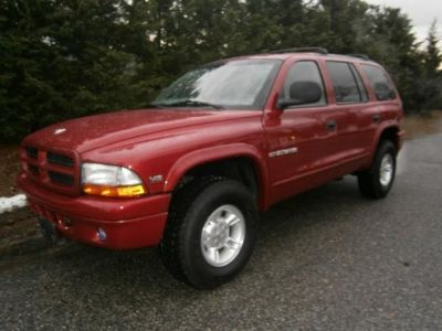 1999 Dodge Durango SLT (Red)