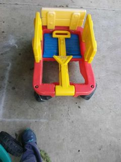 In great shape wagon sides come off seat has opening today's kids handle adjust 2 settings