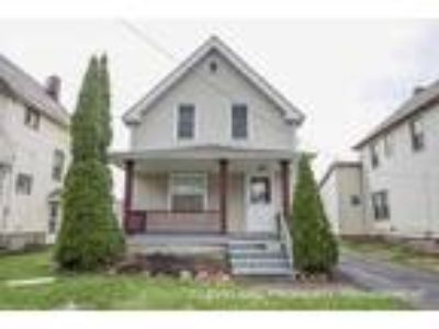 Three Br One Ba In Cleveland Oh 44110