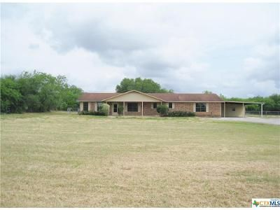 3 Bed 2 Bath Foreclosure Property in Seguin, TX 78155 - Fm 725