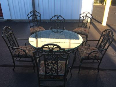 Gorgeous Heavy Table with 6 chairs