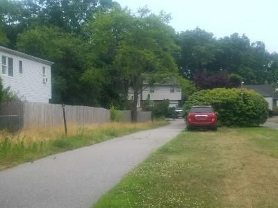 5 Bed 2 Bath Preforeclosure Property in North Babylon, NY 11703 - Erlanger Blvd