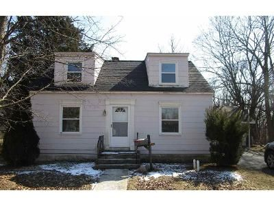 4 Bed 2 Bath Foreclosure Property in Adrian, MI 49221 - Rogers Ct