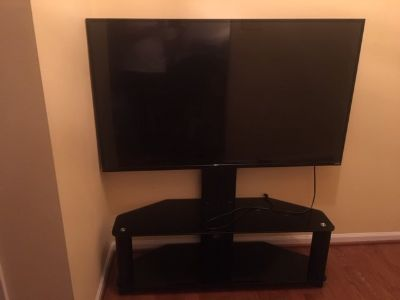 "Vizio 55"" HD TV (Excellent Condition) With Mount Stand"