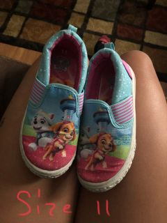 Size 11 girl shoes