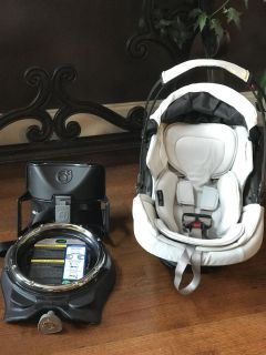 Orbit Baby G3 Infant Car Seat/Carrier and Base