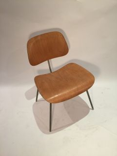 Vintage production eames dcm herman miller chair