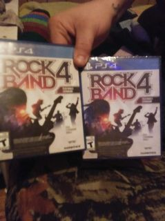 ROCKBAND SET GAME INCLUDED PS4