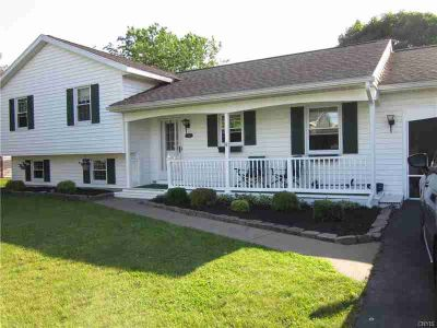 7993 Winfield Circle ROME, Updated, well maintained split